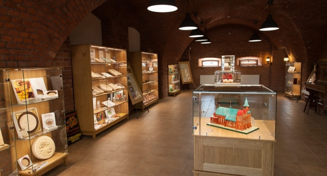 «Сделано в Калининграде» - уникальная, обзорная авторская экскурсия по местам Калининградских брендов: янтарь, шпроты, марципан и др.